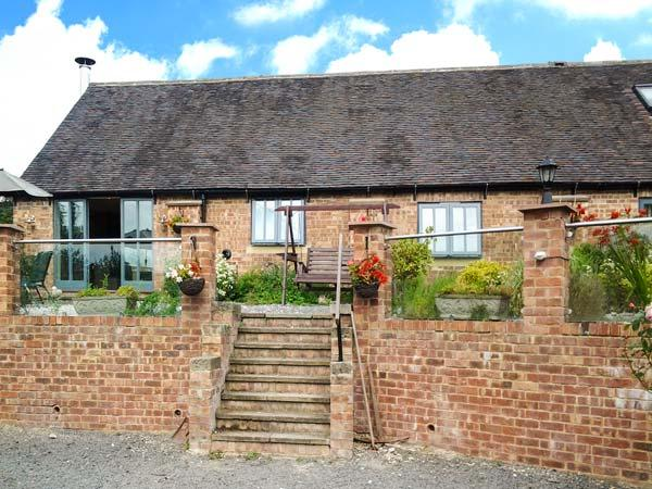 BROOKLEY BARN, pet friendly, luxury holiday cottage, with a garden in Windley, Ref 12124 - Image 1 - Belper - rentals