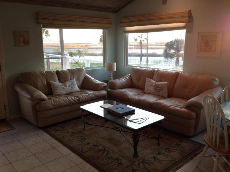 Sunset Bungalow - 4BR-3Bath Waterfront Great Views Family Friendly - Image 1 - Galveston - rentals