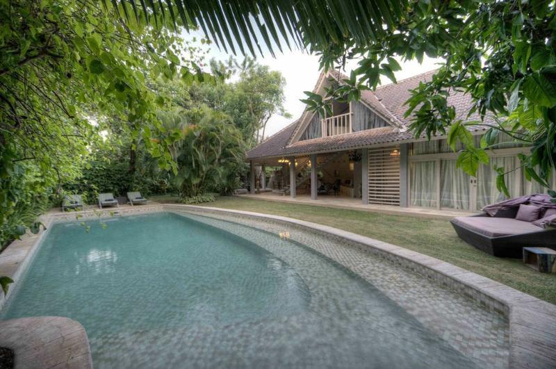 Swimming Pool Area - Villa Azzalea - Jimbaran - rentals