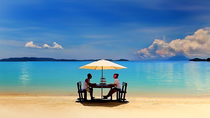 Paradise is waiting at Port Barton. Imagine yourself here. - Gilligans Port Barton Palawan - Port Barton - rentals