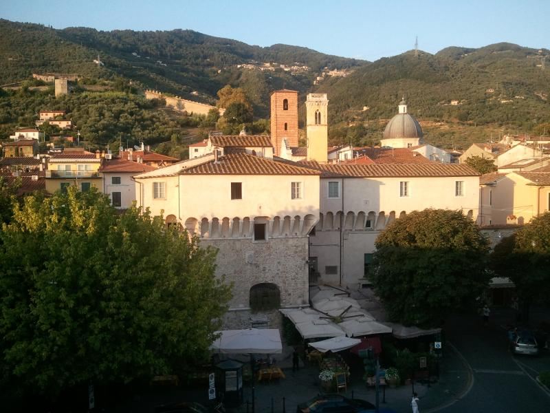 view from the apartments - Versilia,Pietrasanta central,2 holiday apartments 6 sleeps each (12 tot.) - Pietrasanta - rentals
