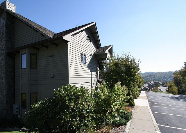 Chetola Cascade is an upscale condominium with great view of  Cone Manor - Image 1 - Blowing Rock - rentals