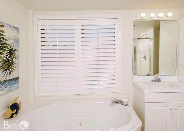 Bath 1 - Real Beachy Condo with Garden Tub~Bender Vacation Rentals - Gulf Shores - rentals