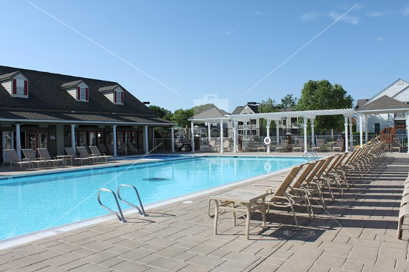 Outdoor Pool - Wyndham Kingsgate -Great Rates & Central Location - Williamsburg - rentals