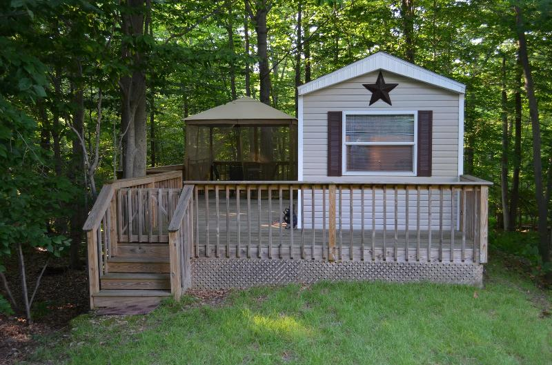 Cabin in the woods Eagle Lake Poconos PA - Image 1 - Gouldsboro - rentals