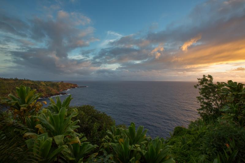 view from deck and hot tub - Cliff Side Cottage - Haiku - rentals