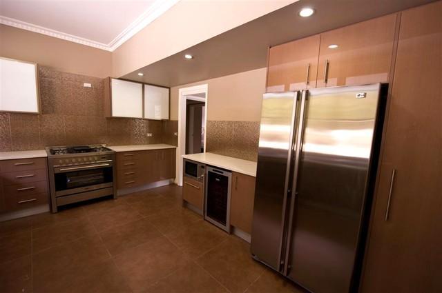 Kitchen - jj - Aldan - rentals