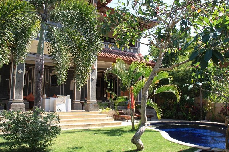 Villa Momo-Mansion looking over Jimbaran Bay - Image 1 - Jimbaran - rentals