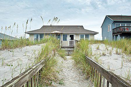 Exterior - Turtle Watch - Enchanting Pet and Family Friendly Oceanfront Gem - Topsail Beach - rentals