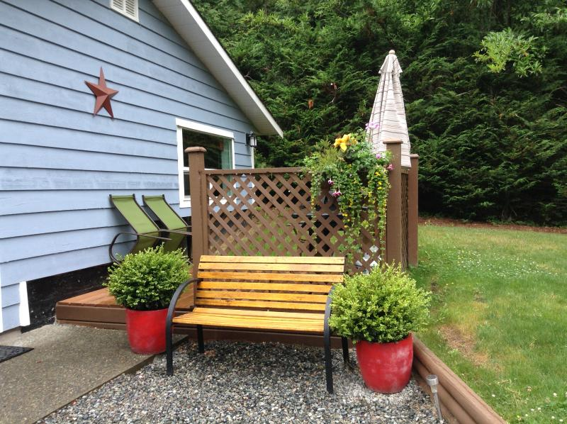 private garden with bbQ - Middlewood Cottage - Cobble Hill - rentals