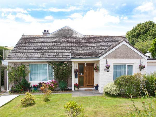 SUMMERFIELD COTTAGE, WiFi, Sky TV, pet-friendly, ground floor cottage in Gorran Haven, Ref. 915521 - Image 1 - Gorran Haven - rentals