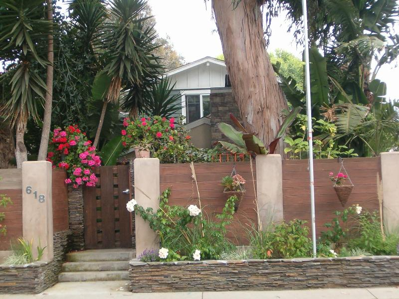 Front - Manhattan Beach  Tree Section House Walk to Sand - Manhattan Beach - rentals