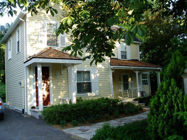 Piano House Retreat - Piano House - Modern 1850's Farmhouse - Niagara-on-the-Lake - rentals