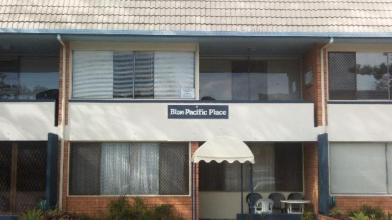 Front - Blue Pacific Place - Unit 6 (top middle) - Holiday Rental Tugun - Unit 6 Blue Pacific Place - Tugun - rentals