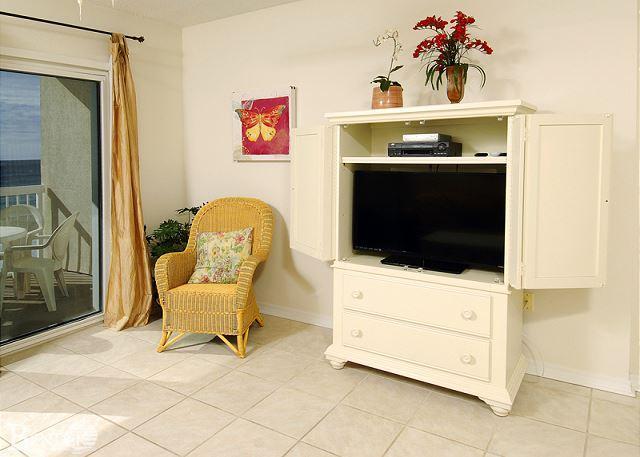 Living Room Area - Caribbean 402~Great Views,Beachfront Condo,Tile Floor~Bender Vacation Rentals - Gulf Shores - rentals
