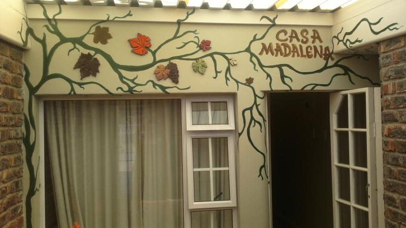 Entrance - Cape Town Pinelands franksplaces Casa Madalena - Cape Town - rentals