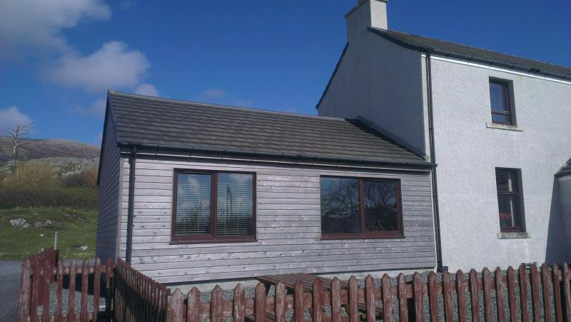 Old school cabin from the front - Old School at Luskentyre Lodge - Isle of Harris - rentals