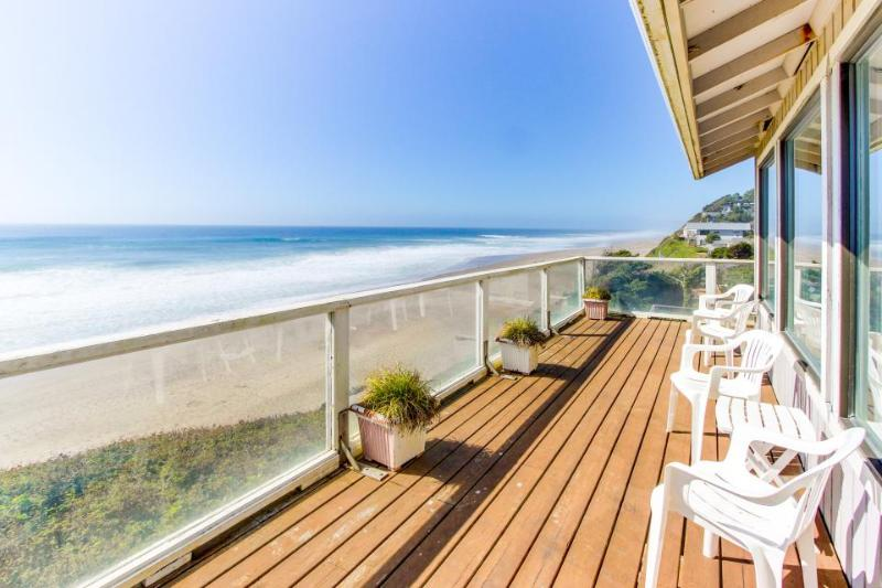 Dog-friendly house w/ fantastic oceanfront location, steps to the beach - Image 1 - Gleneden Beach - rentals