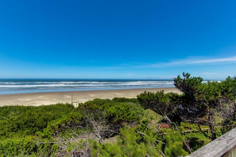 Dog-friendly, waterfront home w/path down to the beach! - Image 1 - Waldport - rentals