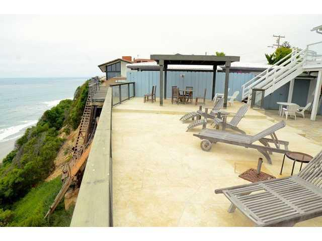 Beachfront with a large deck overlooking the Ocean - Beachfront Rental - Large Deck - Oceanfront  Views - Encinitas - rentals