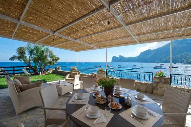 Sunny breakfast - Villa il sogno - dreaming villa on the sea - Nerano - rentals