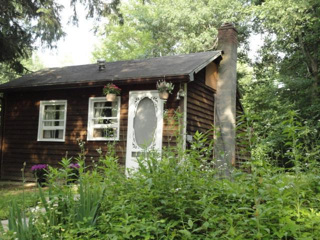 Modern Cottage With Deck & Hot Tub in Rosendale - Image 1 - Kingston - rentals
