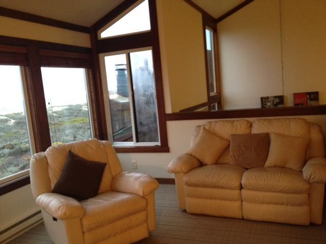 Relax in the living room while hearing the ocean speak to you! - Monterey Beachfront, Oceanfront Breath Taking Views, 100 feet to ocean, Wakeup and fall asleep to sound of Water!! - Moss Landing - rentals
