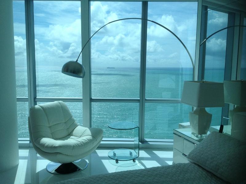 Master Bedroom - 3 BDR,BEACHFRONT, BEST BUILDING, 39 Fl, OCEAN VIEW - Sunny Isles Beach - rentals
