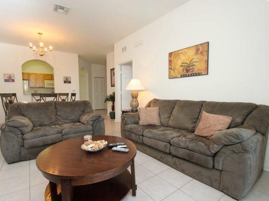 Stunning 3 Bedroom 2 Bathroom Condo in Windsor Hills. 7664CS-203 - Image 1 - Orlando - rentals