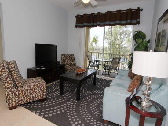 Luxury 3 Bedroom 2 Bath Condo Near Disney. 7660CS-203 - Image 1 - Orlando - rentals