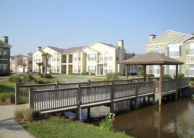 Beautiful 2 bedroom / 2 bath condo on lower level facing fountain. - Image 1 - Gulfport - rentals