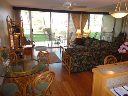 living room - Leinaala 105 W80340385-01 - Kihei - rentals