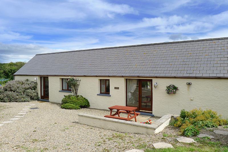 Pet Friendly Holiday Cottage - Drovers Cottage, Nr St Brides - Image 1 - Pembrokeshire - rentals