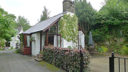 Pet Friendly Holiday Cottage - Tucking Cottage, Spittal - Image 1 - Pembrokeshire - rentals