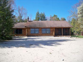 Beach House on Lake Superior, near Pictured Rocks! - Image 1 - Christmas - rentals