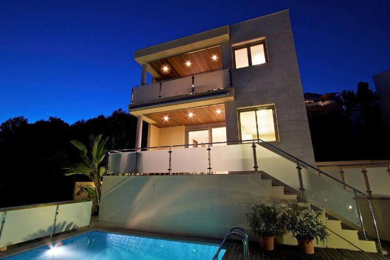 Villa by night - Ultra-modern villa 2 with spectacular sea view - Alcudia - rentals