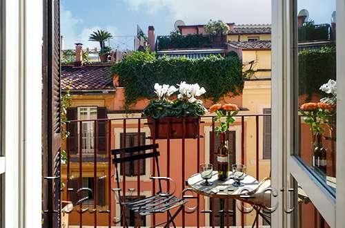 Perfect Spanish Steps Charmer-Light Filled-Balcony, Elegant Street-Ginevra Apt. - Image 1 - Rome - rentals