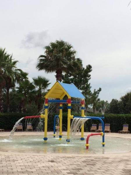 Community kids waterfun area - Brand new elegant top of the line furnishings! - Clermont - rentals
