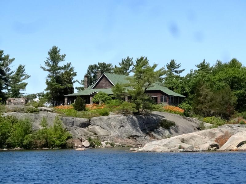 The main cottage sits at the end of Split Rock Bay north of Go HOme Bay on Georgian Bay. - Gwanatchewan, a private island on Georgian Bay - Bracebridge - rentals