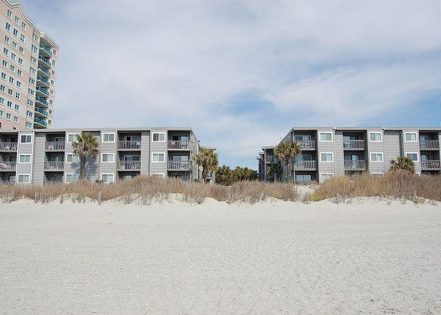 Building - 2bd/2ba comfortably furnished condo in an oceanfront three story building - North Myrtle Beach - rentals