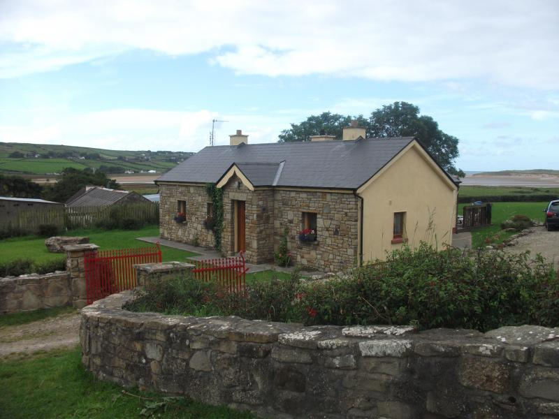 Curlew Cottage - Rural Irish Cottage by the Sea - Castlelacken - rentals