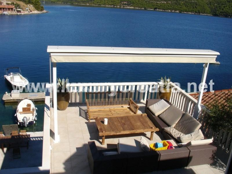 Holiday villa on the seafront, for rent, Peljesac peninsula - VILLA ON THE WATERFRONT WITH MOORING - Kobas - rentals