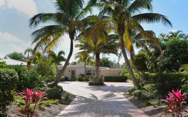 Entrance to 6485 - Paradise Gulf Cottage - Longboat Key - rentals