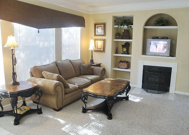 Gorgeous 3-Bedroom / 2-Bath Condo - Image 1 - Gulfport - rentals