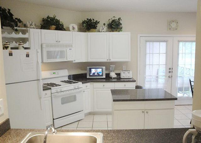 Beautiful 3 bedroom / 2 bath condo on lower level. - Image 1 - Gulfport - rentals