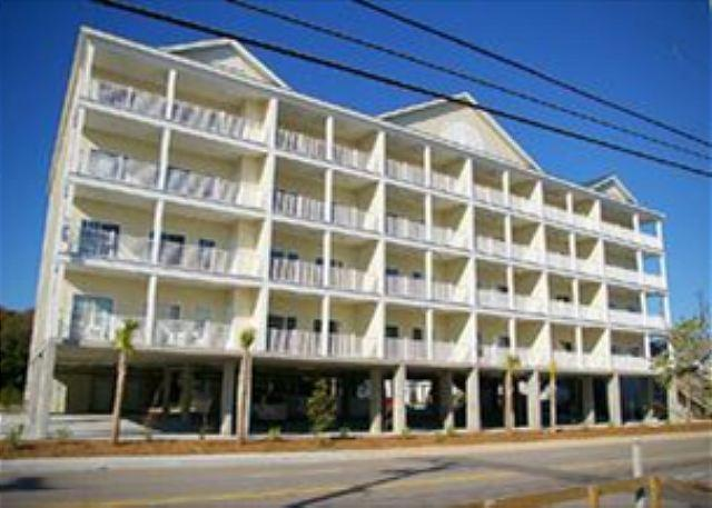 Coconut Grove Towhouse - Spacious 6 bedroom, 5 bathroom, 2nd row condo - North Myrtle Beach - rentals