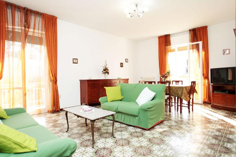 Elegant & Cozy House 5 mins from Beach - Image 1 - Pescara - rentals