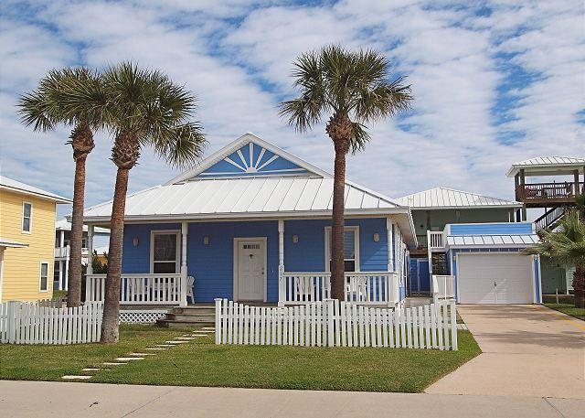 3 bedroom 3 bath, PET FRIENDLY home in FABULOUS Mustang Royale! - Image 1 - Port Aransas - rentals