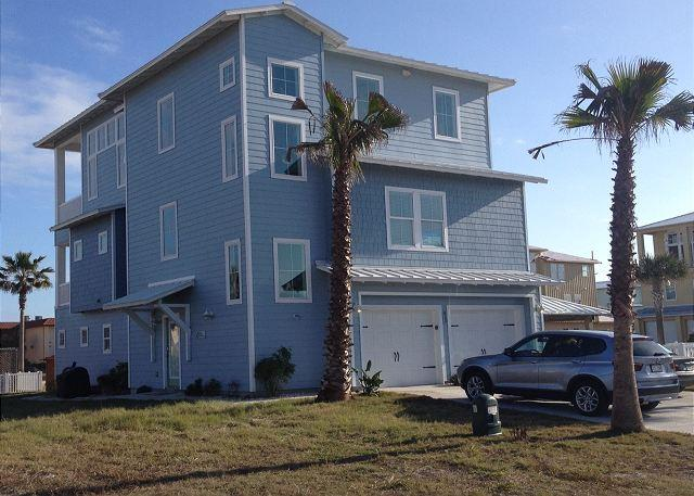 Luxurious Gulf Coast home! 6 bedrooms/ 6 baths adjacent to the pool! - Image 1 - Port Aransas - rentals