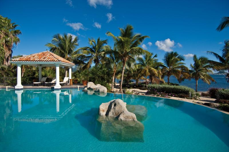 Elegant 6 bedroom villa with a magnificent free-form pool - Image 1 - Terres Basses - rentals